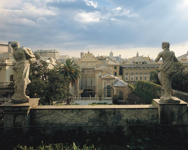 Genova is now re-opening to tourists
