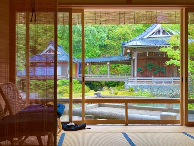 Asaba Onsen is the best traditional Japanese ryokan. It's a Relais & Chateaux in Japan.