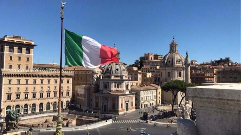 Italy welcomes UK travelers with a Green Pass